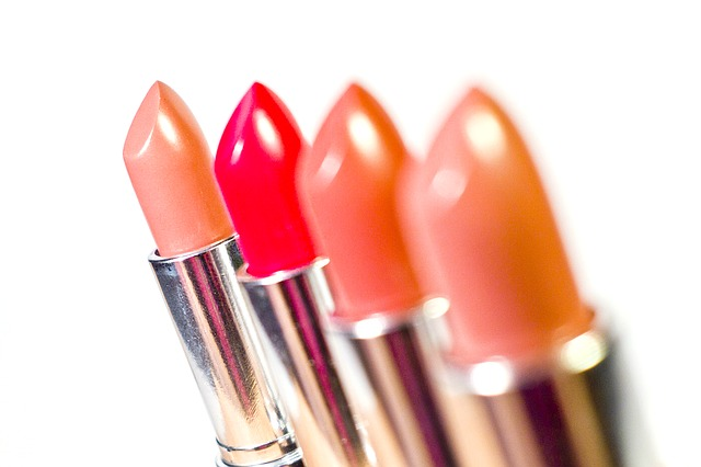 lipstick-1137538_640