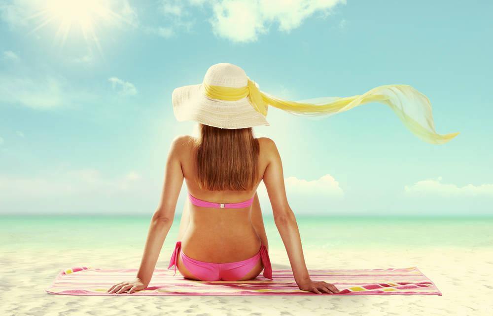 Protégete del sol para evitar manchas en la piel